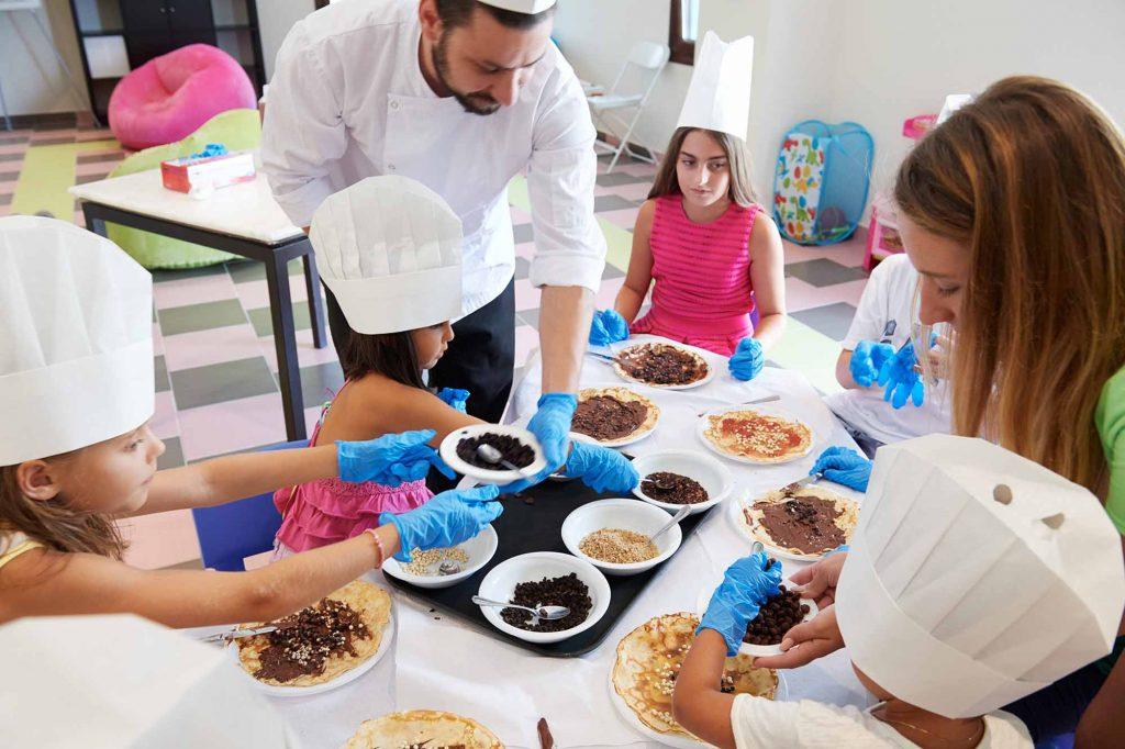 Cooking lessons for children at Pomeland