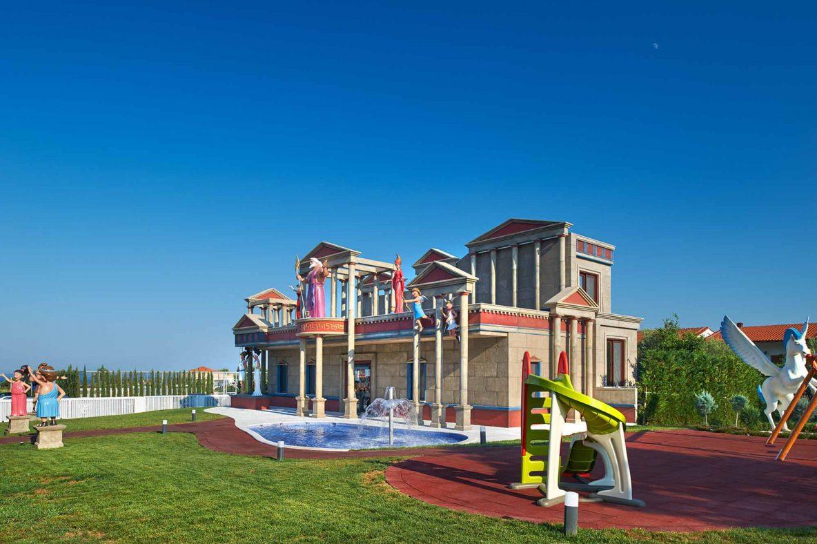 Pomeland playground