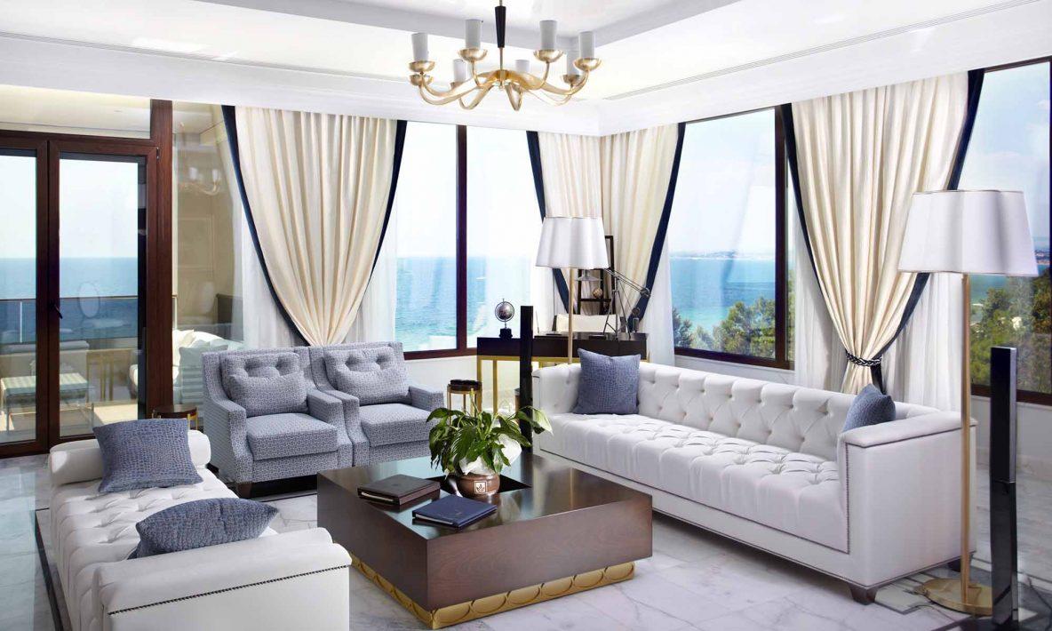 Presidential suite livingroom